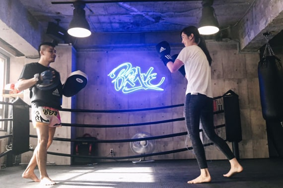 神戸ボクシング 女性 パンチ