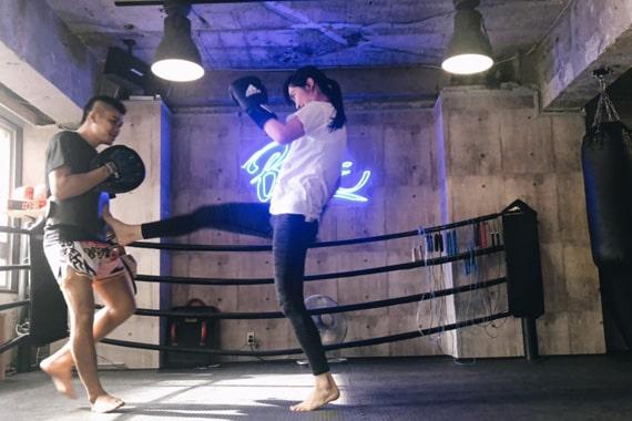 神戸ボクシング 女性 キック